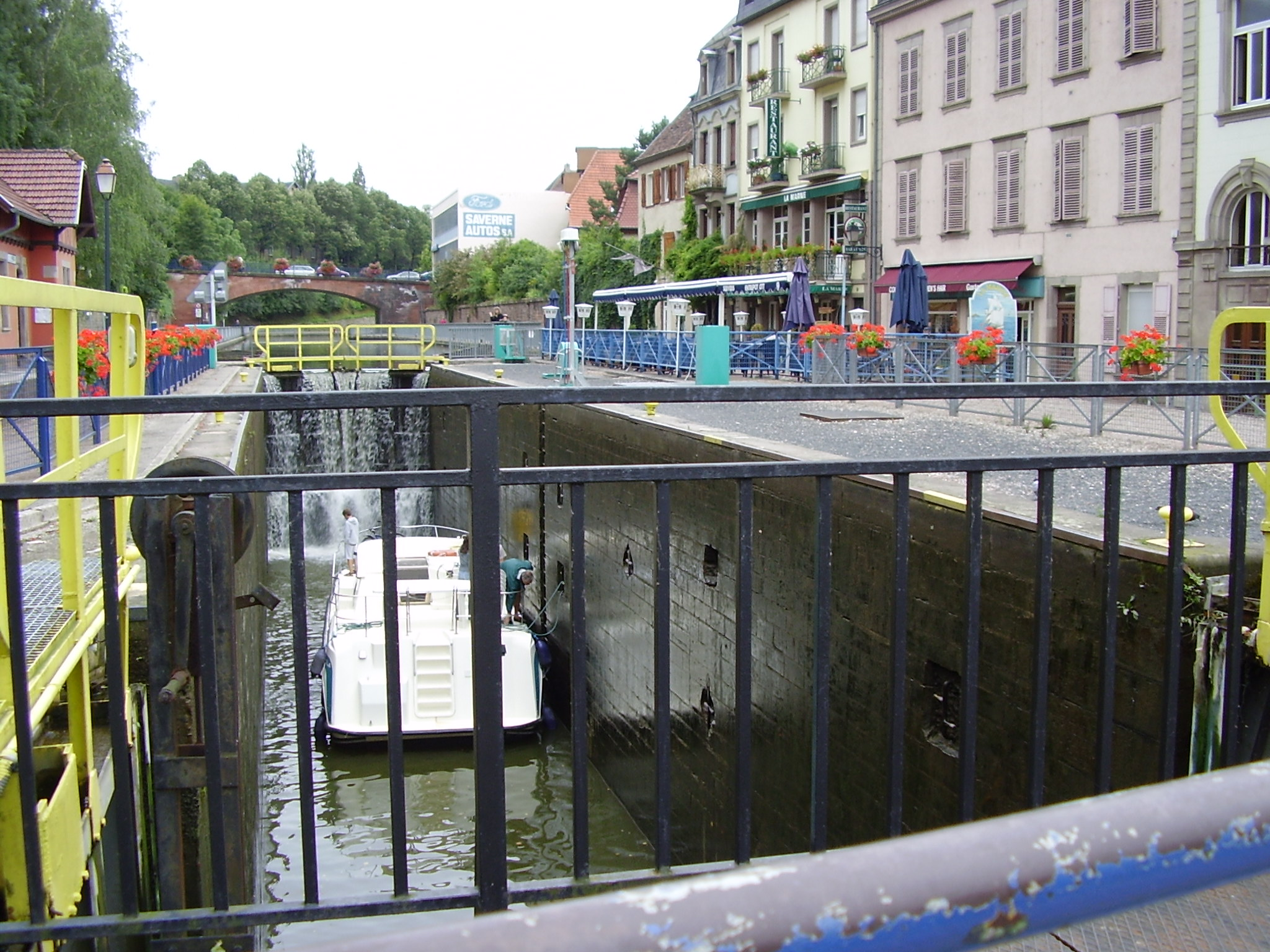La ville de saverne a la d couverte des r gions en scooter for Piscine de saverne